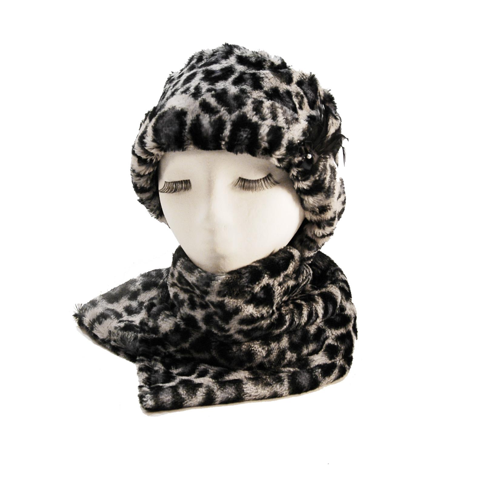 Foulard en fourrure synthétique léopard gris et noir - Créations Sydéral 9ef51e77e32